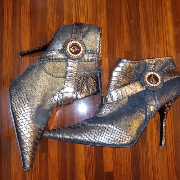 Vintage Baby Phat Ankle Boots. Size 8.5